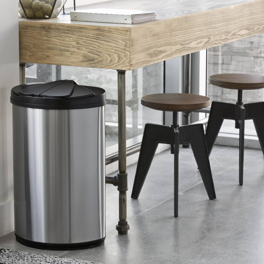 recycling bin in office